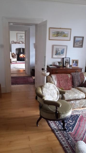 2 sitting rooms